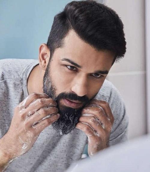 man-washing-his-beard.jpg