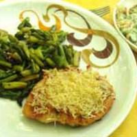 Sonkás-sajtos hússzelet zöld spárgával