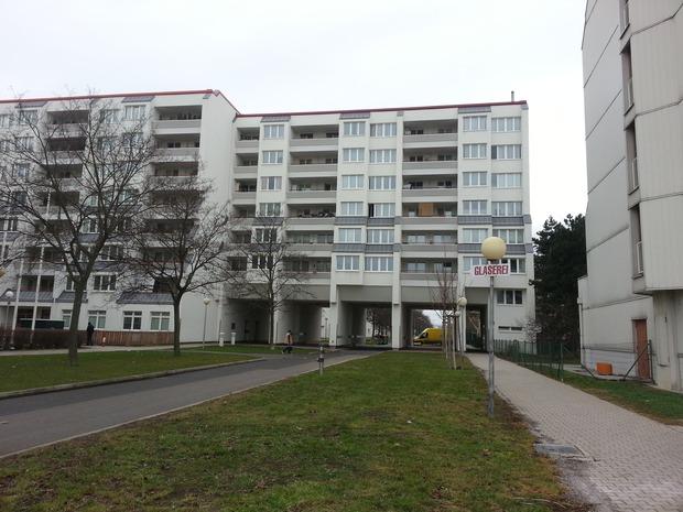 direktvergabe-1-grosse-zimmer-gemeindewohnung-in-wien-21-grossfeldsiedlung.jpg