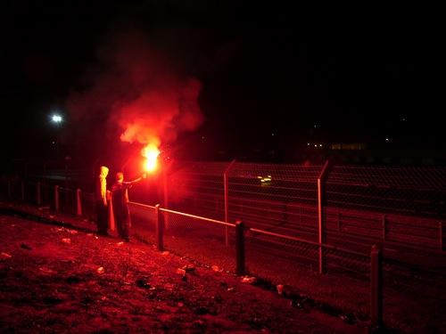 Görögtűz a Mulsanne-egyenes előtti domboldalon, hajnali háromkor