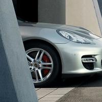 A Mercedes is Porsche részvényt venne?