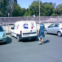 Találós kérdés: mitől szenved a parkolóőr?