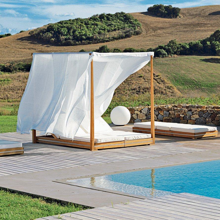 p r tlet a medencepart berendez s hez bel l t gasabb. Black Bedroom Furniture Sets. Home Design Ideas