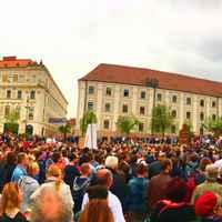 Hatalmas NER-ellenes tüntetés volt Pécsett is