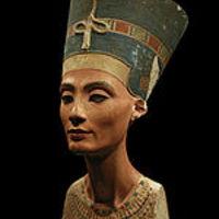 Nofertiti portréja - és teste