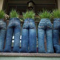 Újrahasznosított, kültéri kaspók, mert ültetni szinte mindenbe lehet...