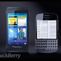 Első hivatalos képek a QWERTY-s BB10 telefonról