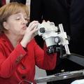 Három gyártó is dolgozik Merkel új ESZKÖZÉN