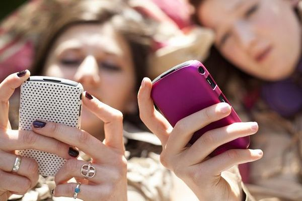 teenagers_chat.jpg