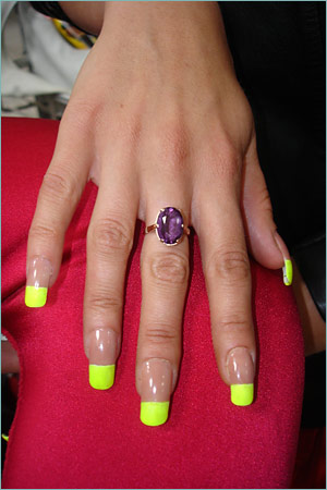 http://m.blog.hu/be/betonpanda/image/nails.jpg