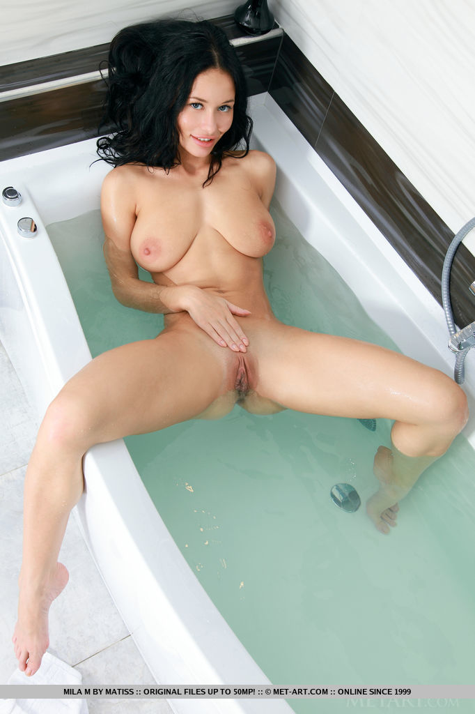 stunning-mila-m-is-wet-and-sexy-in-the-bathroom-15.jpg