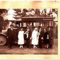 Lakodalmas buszjárat Csákvár-Bicske viszonylatban - Éljen az ifjú pár!