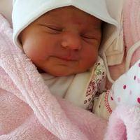 Megszületett Sárközi Mercédesz Anna - Ő és az édesanyja is jól vannak