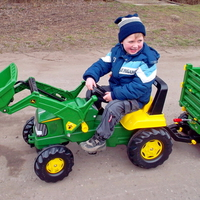 A bicskei négyéves kisfiú traktora - Emberek, akik beteg gyermekek kívánságát teljesítik gyógyulásuk érdekében