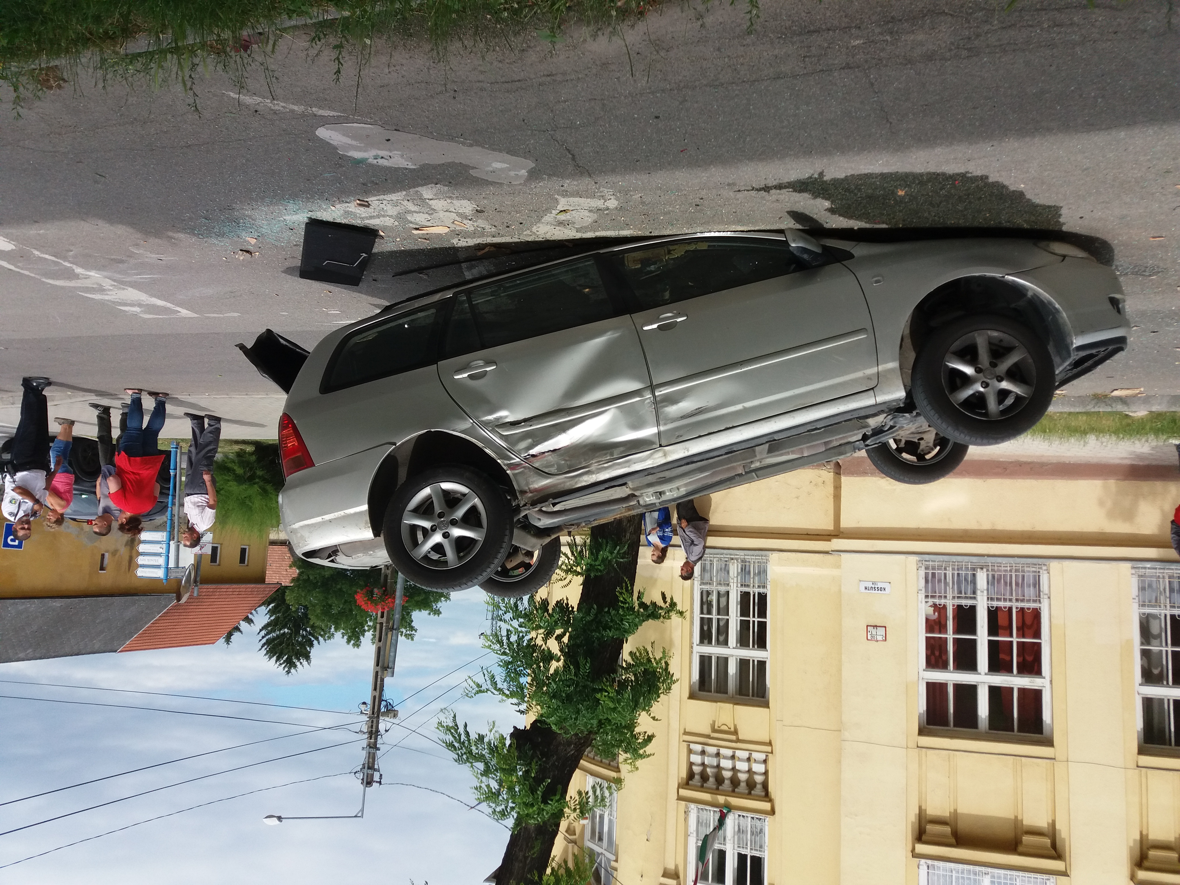 balesetovioldkocs.jpg