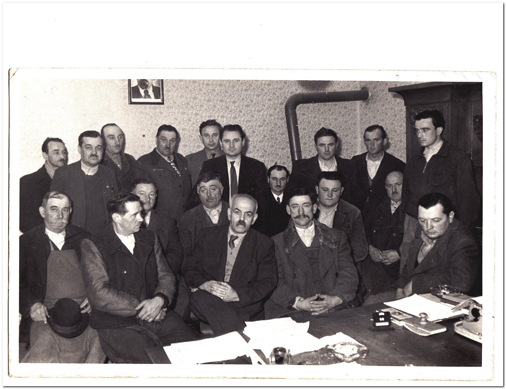 bicske_1959_tsz_alapitas_buzakalasz.jpg