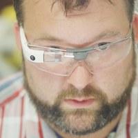 Nem halott a Google Glass, csak átalakult