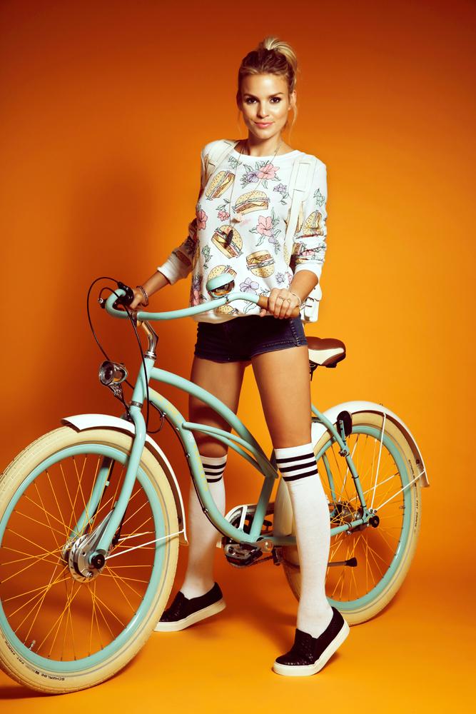bikegirls-cruiser.jpg