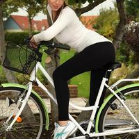 Lizzie Ryan bringán vetkőzik
