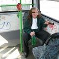 Önnek jár: Gennyes pattanásszerű fertőzést kapott az utas, aki leült az éjszakain
