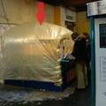 Putrira hasonlító bunkerből árulják a jegyeket Kőbányán