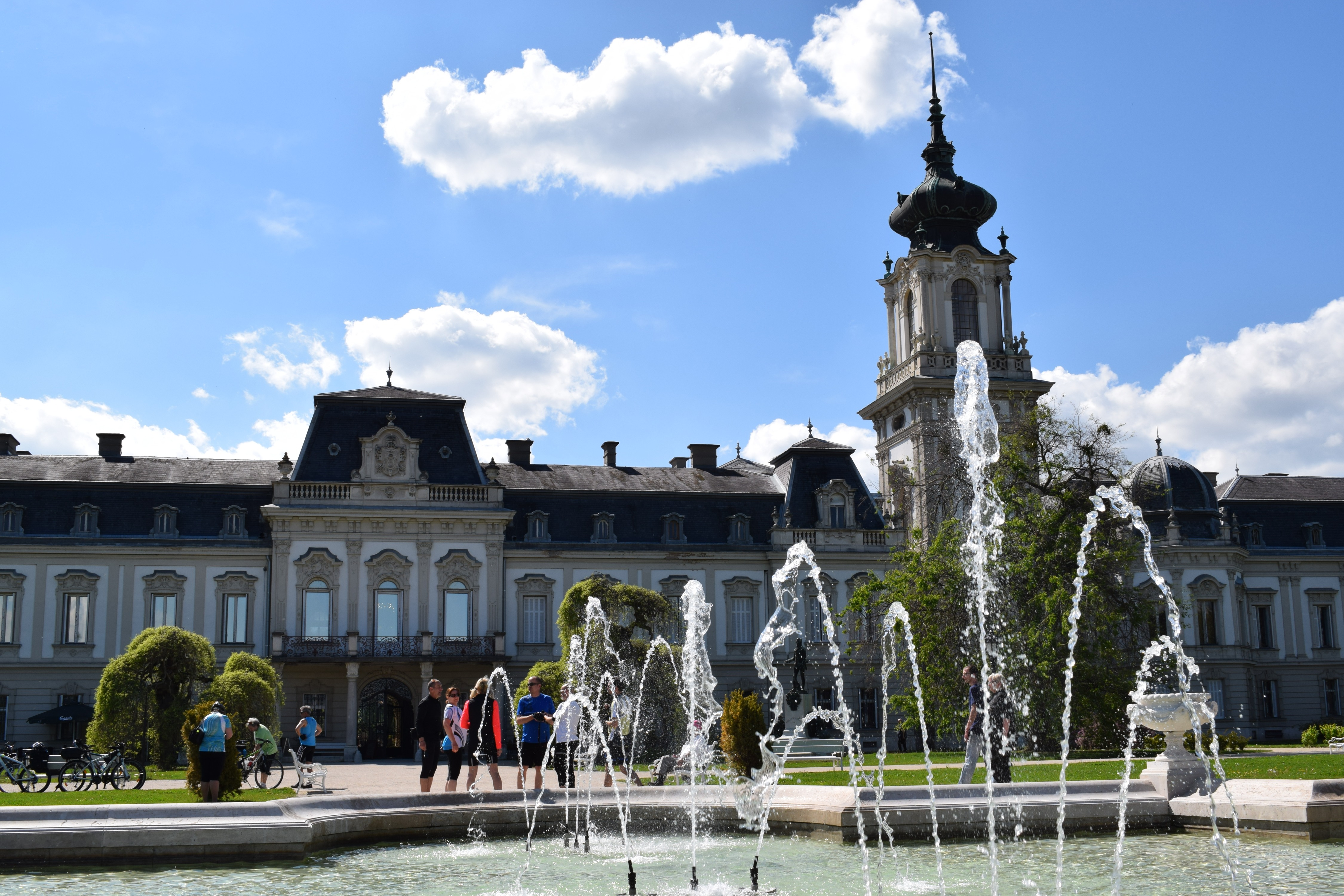 És a kastély :)).