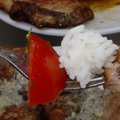 Csirkecombfilé tárcsán kéksajtos fűszervajjal