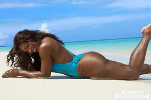 Serena Williams a legdögösebb bikinis modellek között!