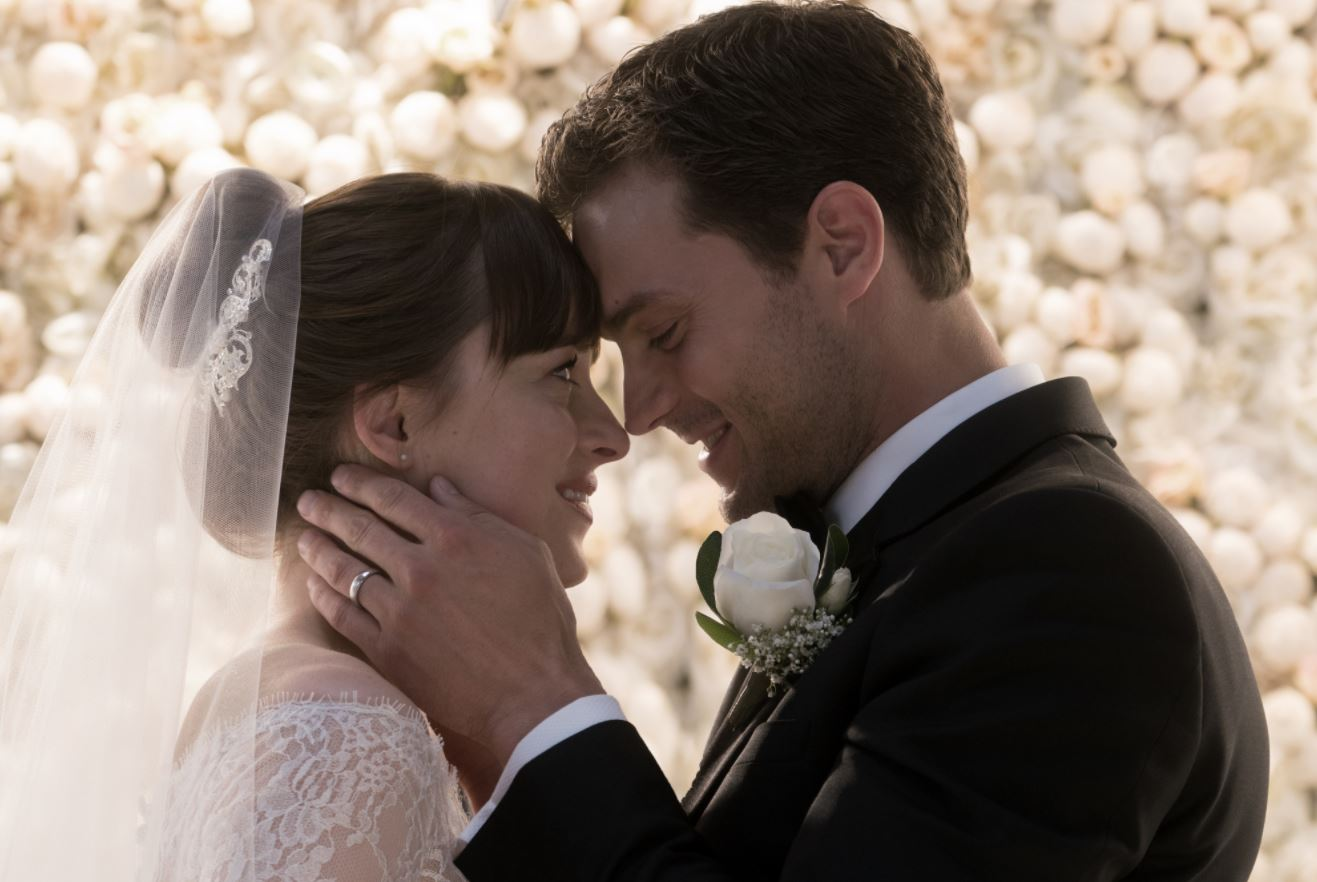 fifty-shades-freed-dakota-johnson-jamie-dornan-1509987196.jpg