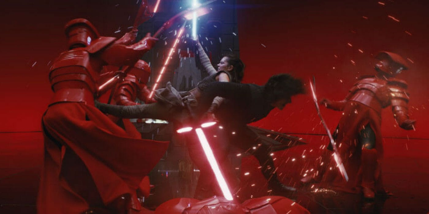 star-wars-the-last-jedi-rey-and-kylo-snoke-throne-room-battle-photo-disney-lucasfilm.jpg