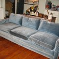 Vettek egy rozzant kanapét és..