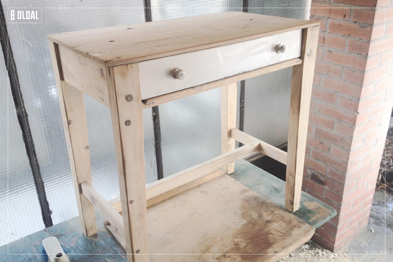 24-konyhai-kis-asztalbol-dolgozoasztal-02-b-oldal.jpg