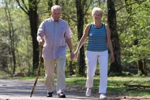 Ismét ajándék lóvét kapnak a nyugdíjasok: lehet, hogy manipuláció az egész?