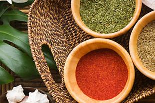 Kamu a gyógyszertárakban - Szakemberek szerint a homeopátiánál is nagyobb a baj, a gyógynövénykivonatokkal
