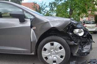 Súlyos baleset Győrszentivánon