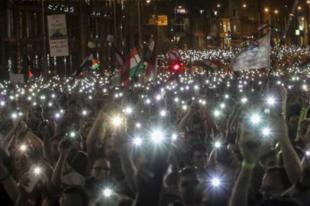 MÁJUS 8-A, EGÉSZ NAPOS TÜNTETÉS:  Mi vagyunk a többség 3.0 - Tüntetés a demokráciáért: a múltkor sokan voltak Győrből is. És most?
