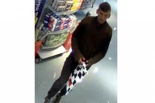 Egyre szemtelenebbek a tolvajok: az eladópultból vitte el a pénzt Győrben