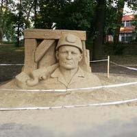 Többet érdemel a csodás homok Bányász-szobor. Ennyire tartják a szervezők?