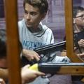 Egyre több pedagógus és szülő tiltakozik az iskolai lőterek miatt. Tatabányán hogyan vélekednek?