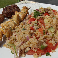 Grillezzünk! - Tabulé és marokkói csirkenyársak