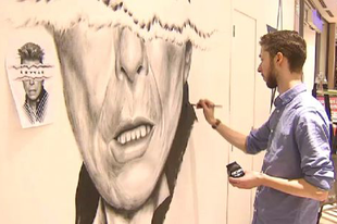 Brüsszelben freskóval tisztelegtek David Bowie előtt