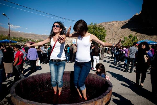 armeni-wine-festival.jpg