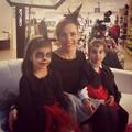 Világító szellemek az ajtóban, kisboszorkány kosztüm tüllből- ötletek Halloweenra!