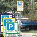 A parkolóőr, vagy az autós a bunkó?