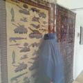 Kalasnyikov-mintás szőnyeg tankokkal: a mai életünkre is kihat a
