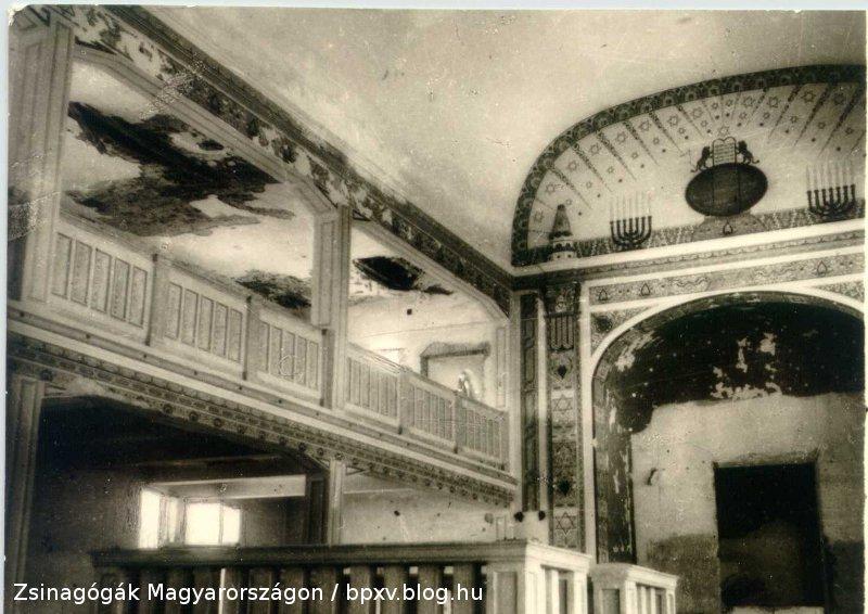 zsinagoga_belso_1944.jpg