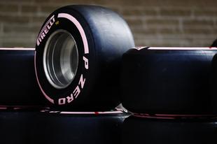 F1 - BEMUTATTA A 2018. ÉVI LEGLÁGYABB GUMIJÁT A PIRELLI