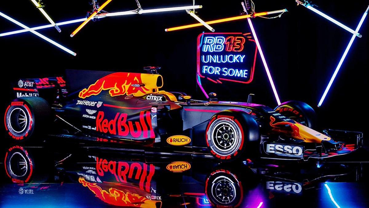 Csapat: Red Bull Racing<br />Autó: RB13<br />Motor: TAG-Heuer (Renault)<br /><br />Versenyzők: Daniel Ricciardo (#3), Max Verstappen (#33)<br />2016-os helyezés a konstruktőri pontversenyben: 2. (468 pont)
