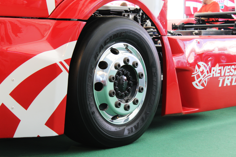 A kamion Európa-bajnokságban már évek óta Goodyear-abroncsokon futnak, míg a WTCR-be idén száll be a gyártó.<br />Fotó: Fehér Patrik