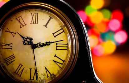 christmas-mantle-clock.jpg